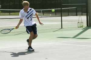 Boys' Varsity Tennis ends with disappointing record