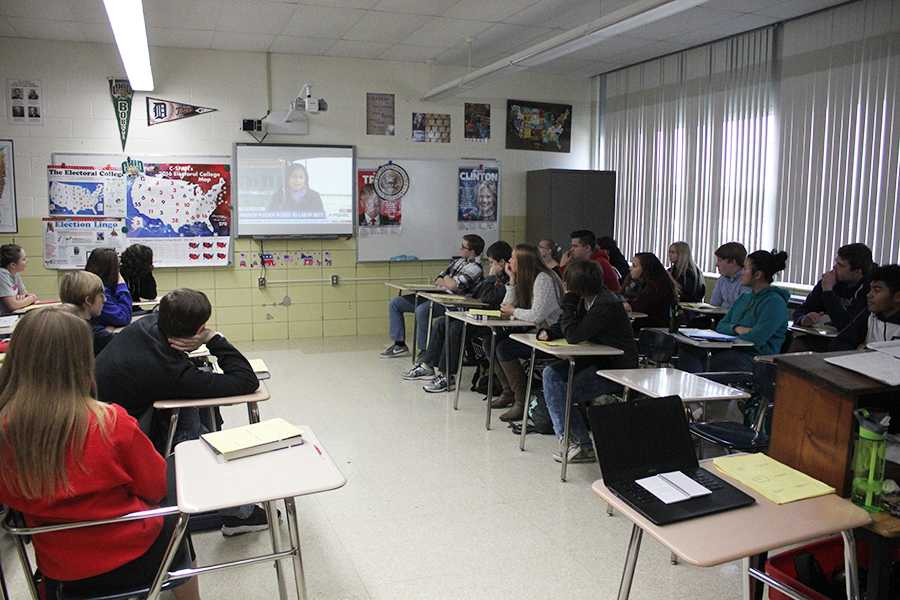 Scott Byers' AP Government 5th period class watches the news.