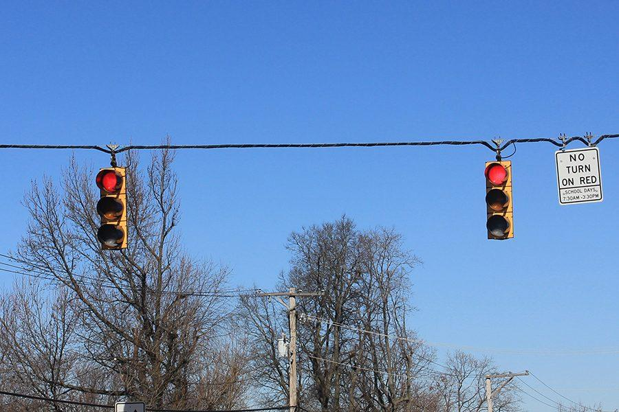New House bill allows drivers to run red lights