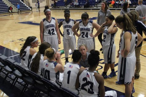 Girls' Varsity Basketball team returns to regional semifinals