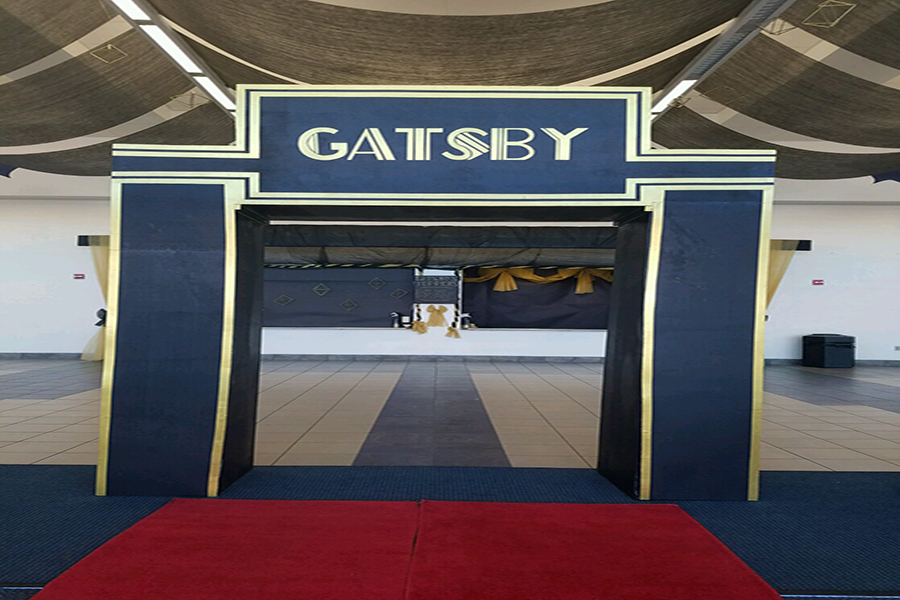 The 2018 Prom featured a Great Gatsby Theme.